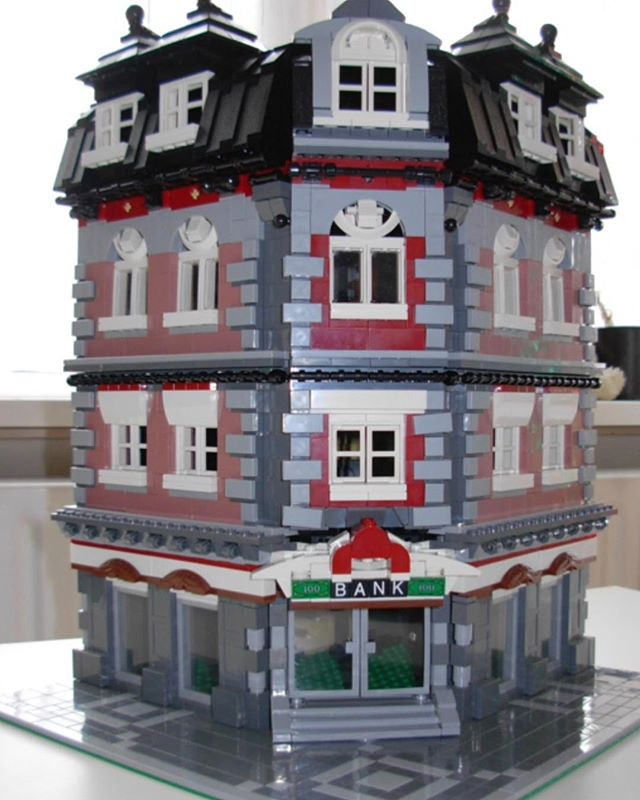 Beautifully realistic build! Credit: tijgersan on Brickshelf.com #legomoc #legomodular #legopic #legofan #legocity #legobuilder #brickshelf